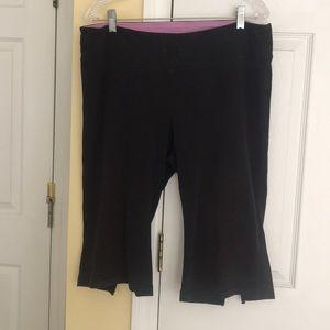 Women's yoga capri pants